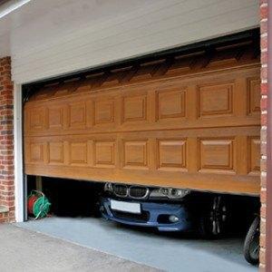 секционни гаражни врати
